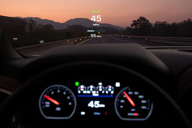 Chevrolet Italia - Silverado HeadUp Display