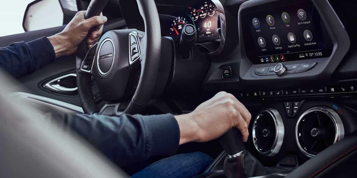 Chevrolet Camaro - interni - Chevrolet Italia